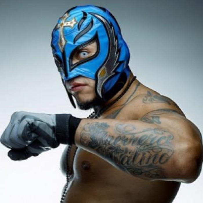 Rey Mysterio in un altro tag team match