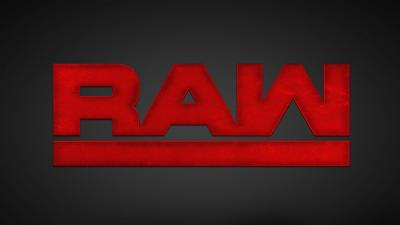 Invasione sul ring da parte di un fan a Raw *VIDEO*