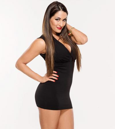 Nikki Bella infortunata: salta il tour europeo per lei