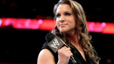 CM Punk preso in giro da Stephanie McMahon in diretta a Raw! *SPOILER VIDEO*