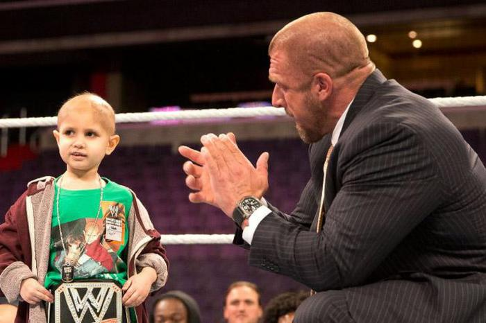 Da Triple H e Stephanie McMahon un commovente ricordo del piccolo Connor