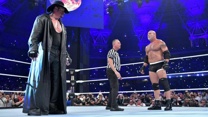 Undertaker e Goldberg commentano il match di WWE Super ShowDown