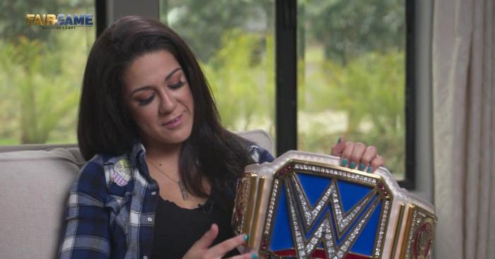 Fox Sports cancella la sua video-confessione: Bayley nei guai con la WWE?