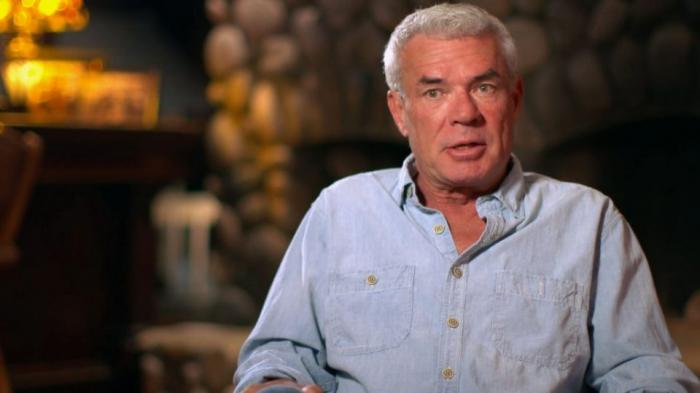 Caos in WWE e a SmackDown: quale ruolo ha Eric Bischoff?