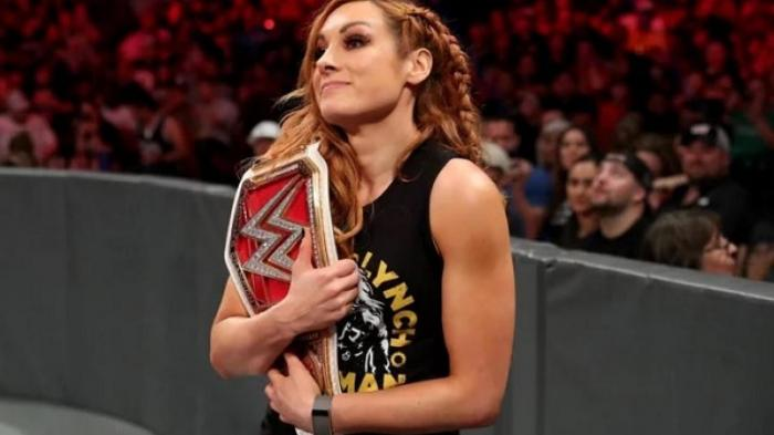 WWE, grandissimo annuncio di Becky Lynch sconvolge i fan in quel di RAW *SPOILER*