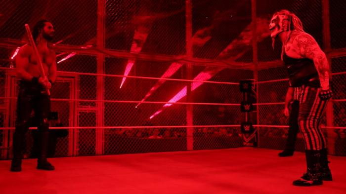 Fan furiosi per il main event di Hell in a Cell: la WWE spiega il finale