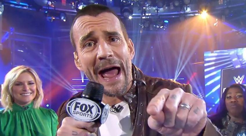 WWE Backstage, CM Punk simula l'ingresso alla Royal Rumble: fan impazziti