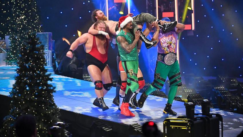 WWE SmackDown 25/12/2020 report (3/3) - Coffin dance, WWE version