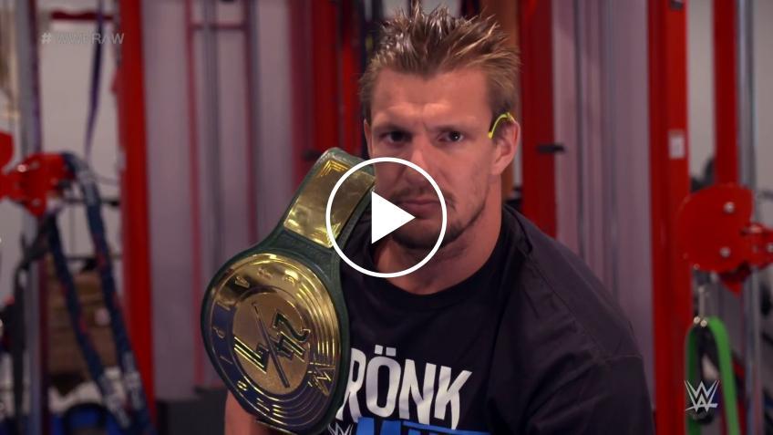 I rapporti tra Rob Gronkowski e la WWE si sono guastati? La situazione