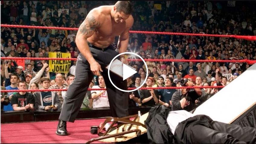 La WWE e i tavoli: una storia piena di sorprese